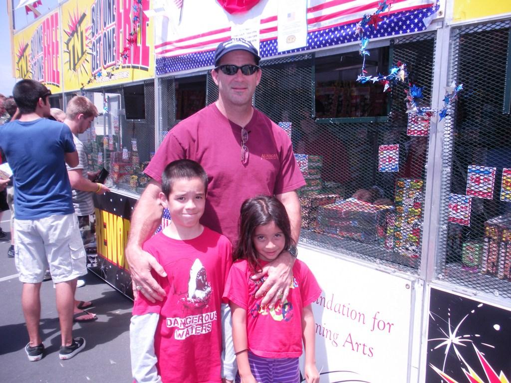 Mike Mahoney and Children .JPG